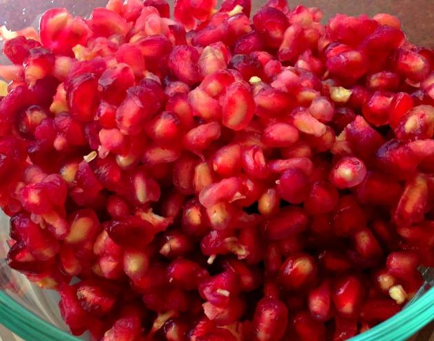 pomagranateseedscloseup